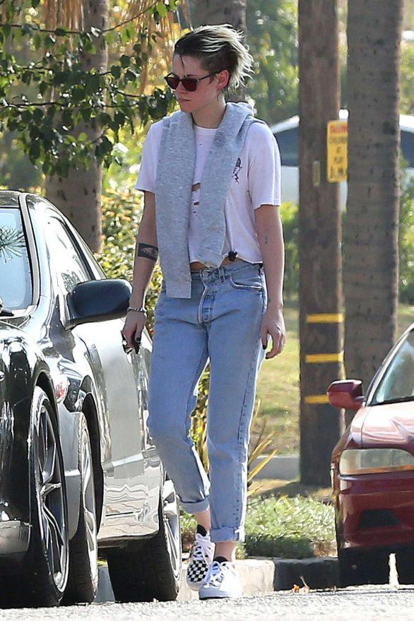 Kristen Stewart 2019 : Kristen Stewart – Out in Los Angeles-05
