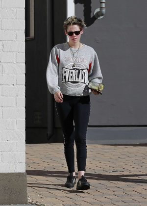 Kristen Stewart - Out in Los Angeles