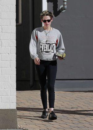 Kristen Stewart - Out in Los Angeles