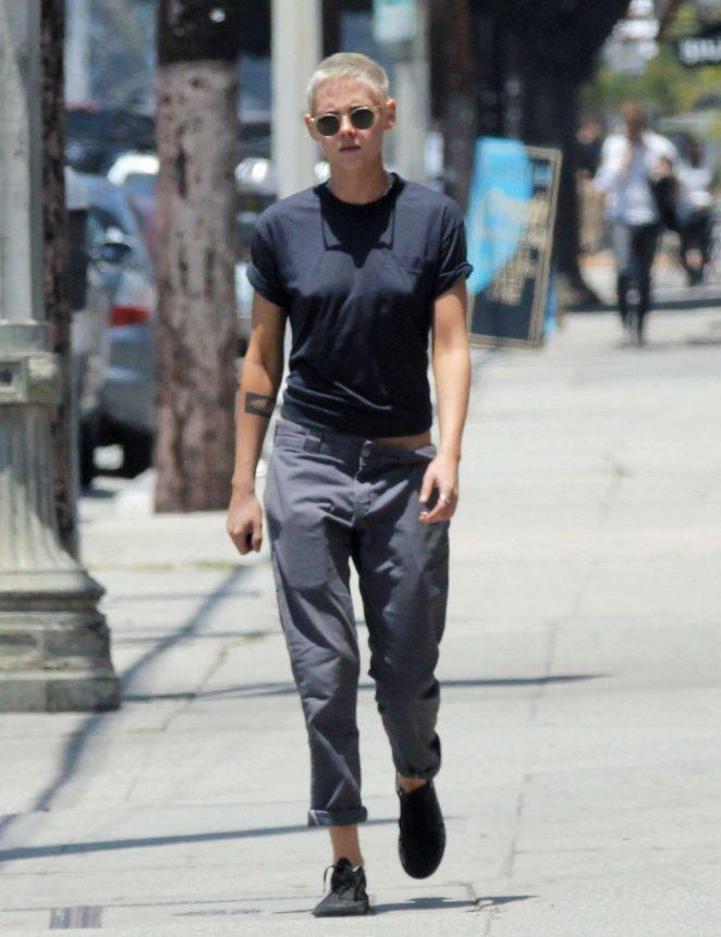 Kristen Stewart – Out in Los Feliz