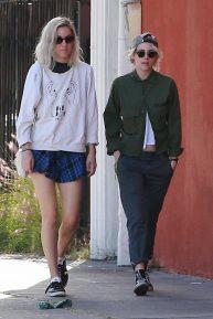 Kristen Stewart - Out to eat with a friend in Los Feliz
