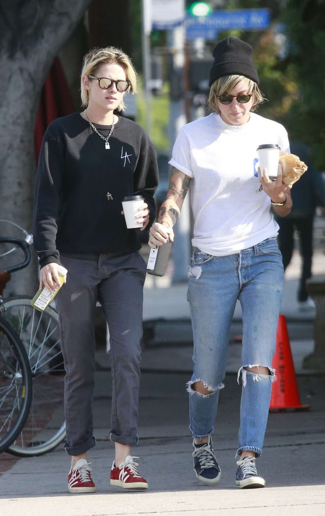 Kristen Stewart - Seen While Out for coffee with her girlfriend in Los Feliz