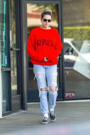 Kristen Stewart - Shopping in Los Feliz