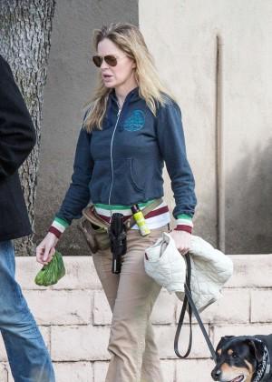 Kristin Bauer van Straten - Walking her dog in Los Angels