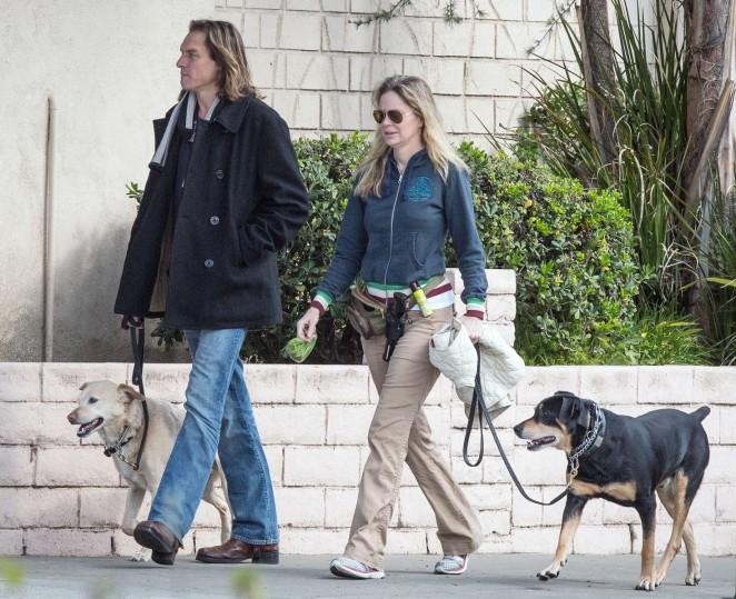 Kristin Bauer van Straten: Walking her dog -03