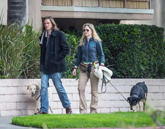 Kristin Bauer van Straten: Walking her dog -04