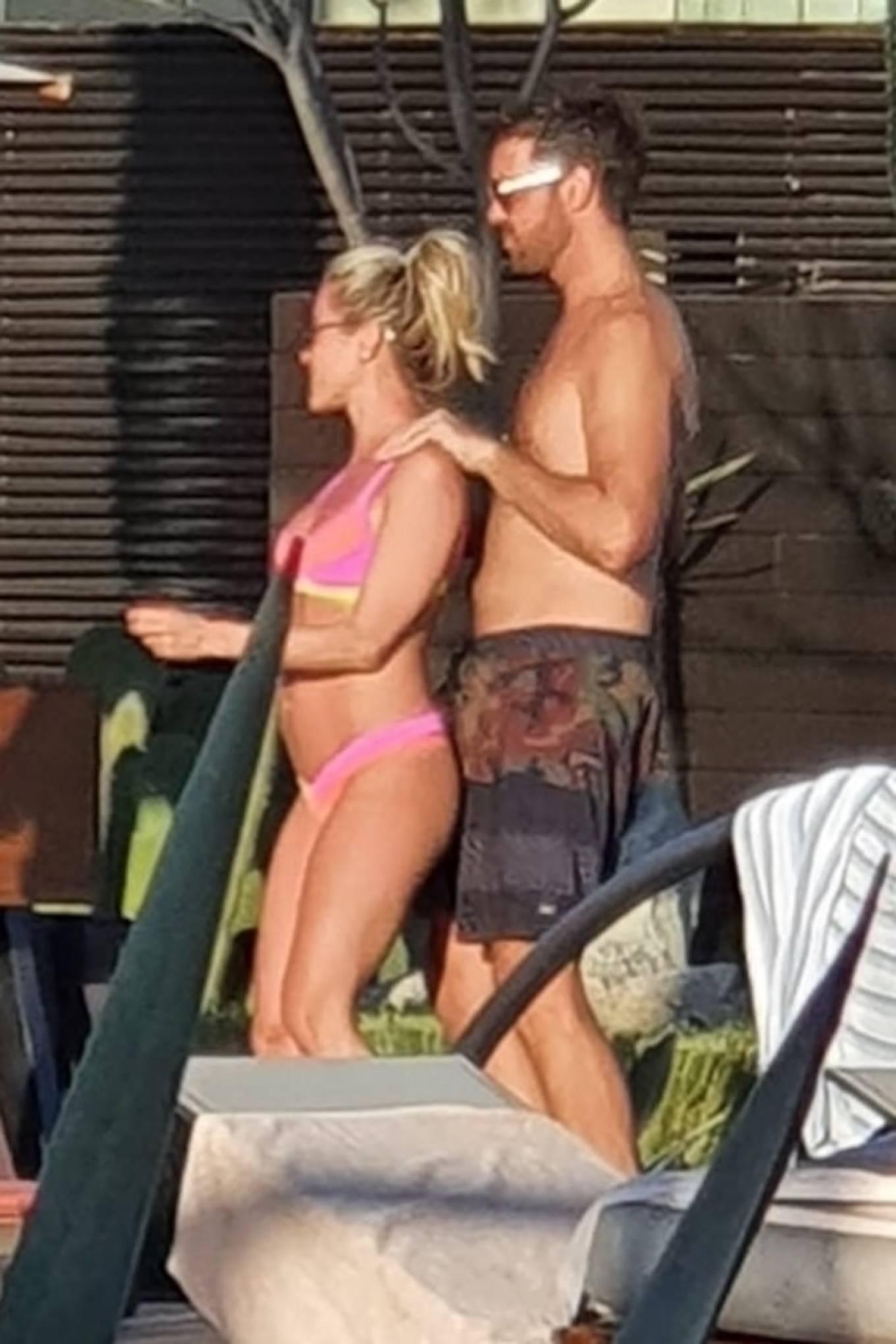 Kristin Cavallari 2020 : Kristin Cavallari – In a pink Bikini in Cabo San Lucas – Mexico-06