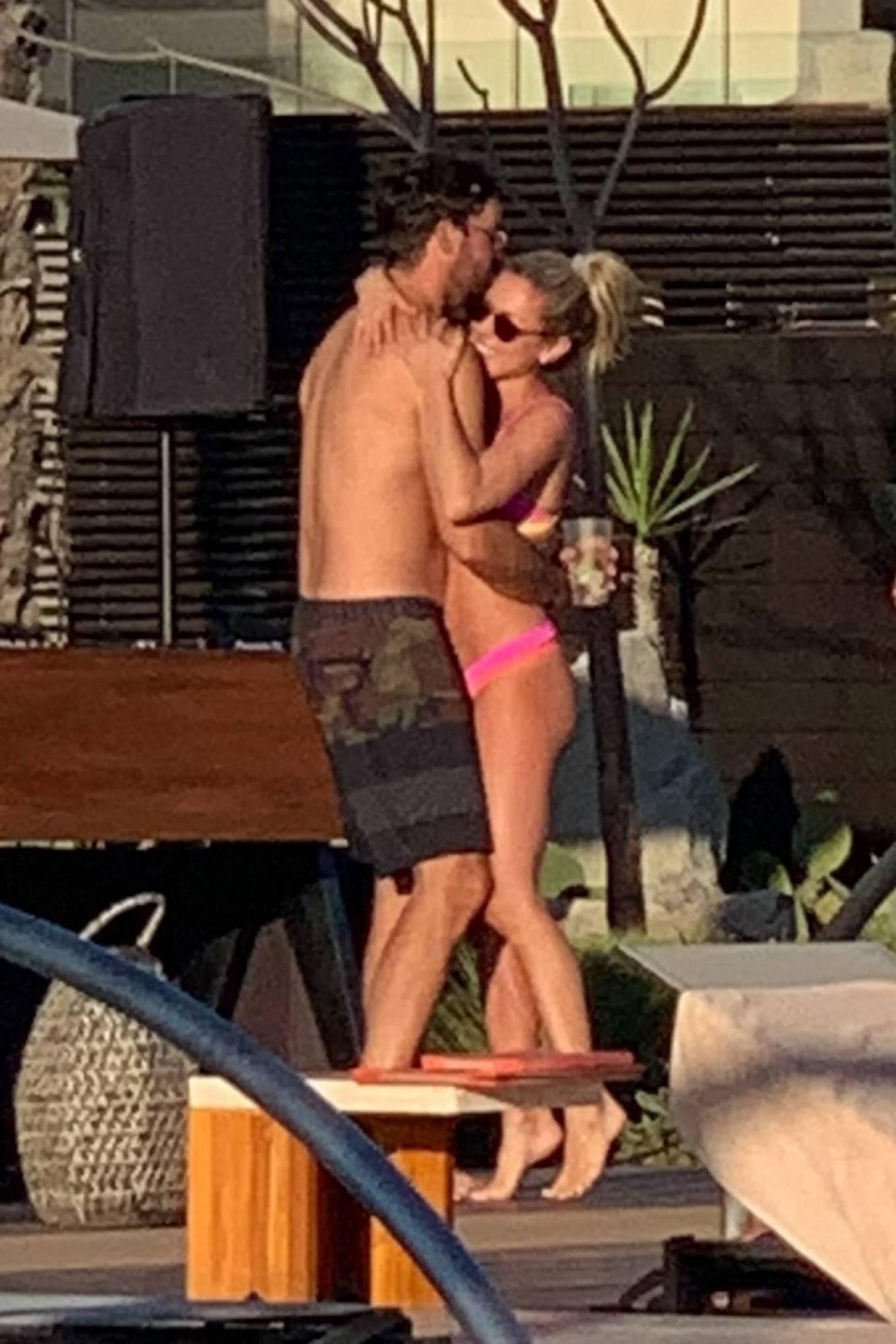 Kristin Cavallari 2020 : Kristin Cavallari – In a pink Bikini in Cabo San Lucas – Mexico-20