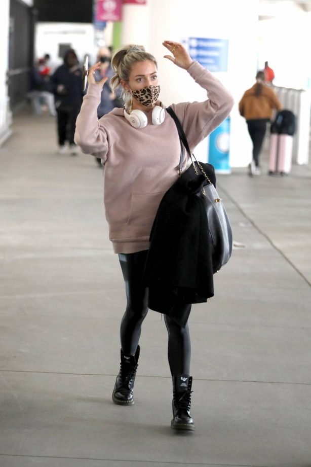 Kristin Cavallari - In black leather pants arrived back in Los Angeles