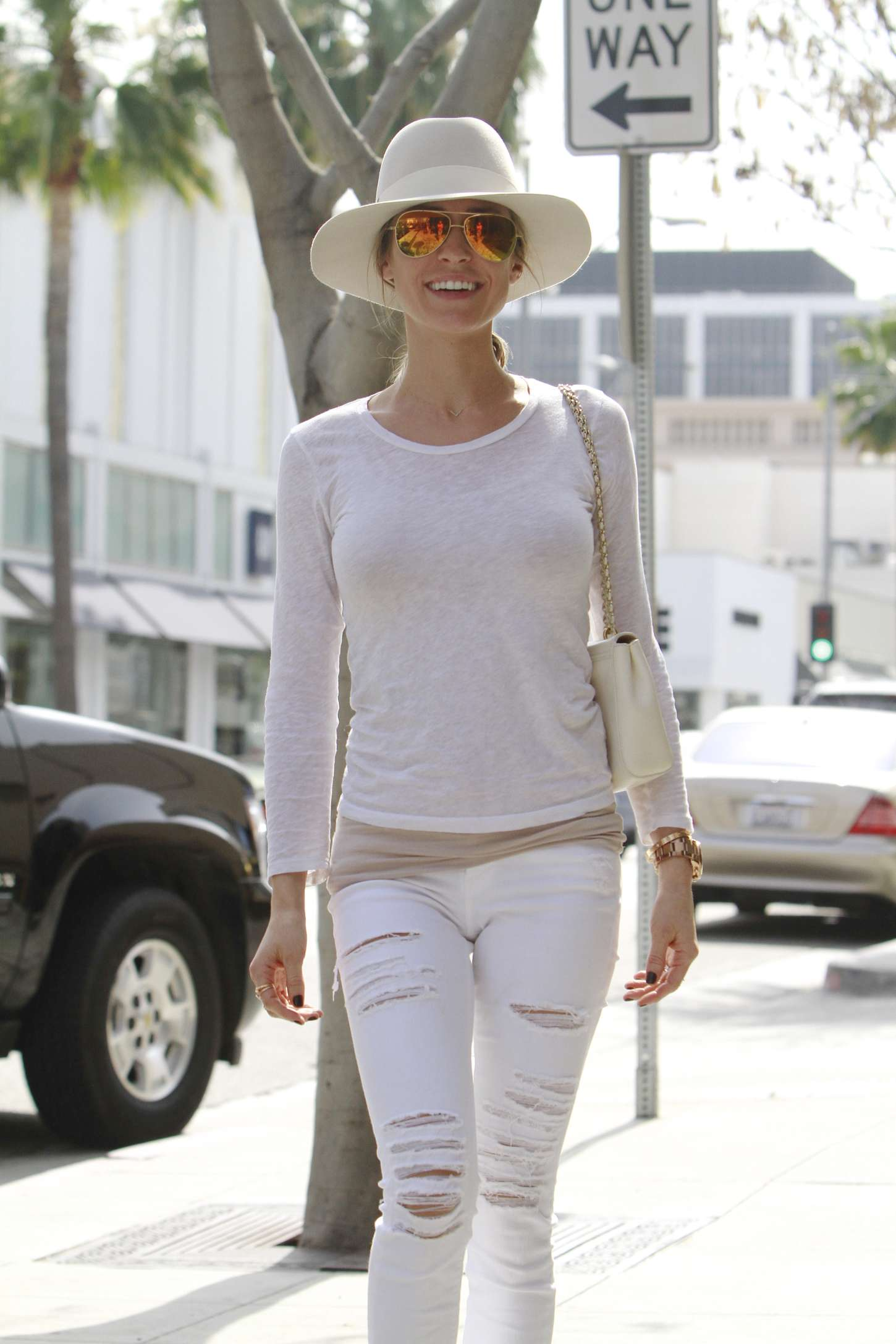 Kristin Cavallari in Ripped Jeans at Hair salon in Beverly Hills