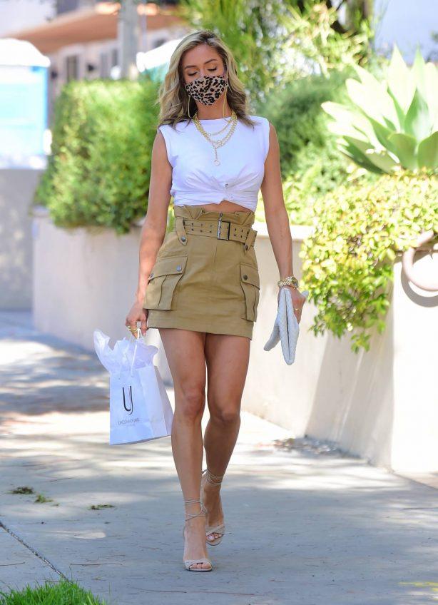 Kristin Cavallari - Looks stunning as she visits a friend in Beverly Hills