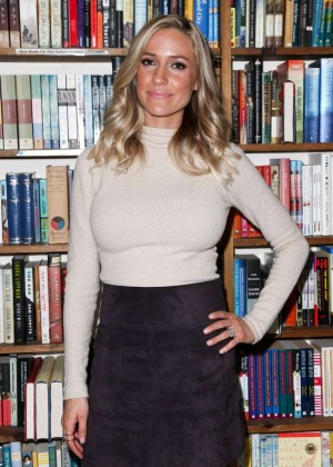 Kristin Cavallari - Signing copies of her book at Book Revue in Huntington