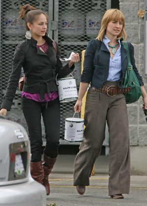 Kristin Kreuk and Allison Mack - Shopping in Vancouver