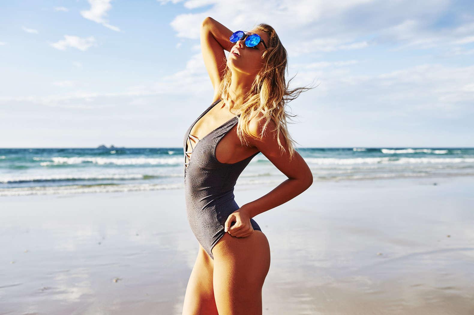kristina mendonca bikini photoshoot 06   gotceleb