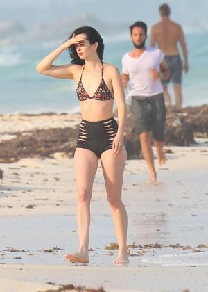 Krysten Ritter in Bikini 2016 -35