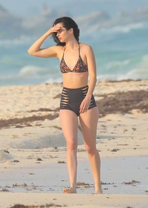 Krysten Ritter in Bikini 2016 -50