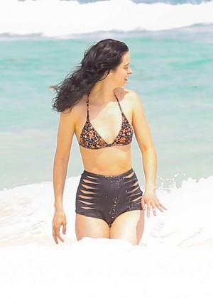 Krysten Ritter in Bikini 2016 -68