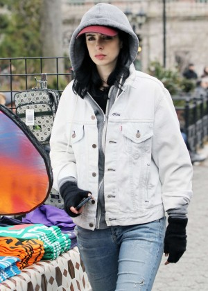 Krysten Ritter: Set of Aka Jessica Jones -10
