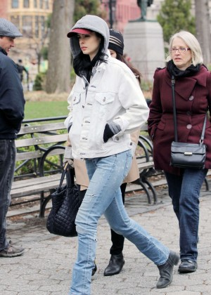 Krysten Ritter: Set of Aka Jessica Jones -16