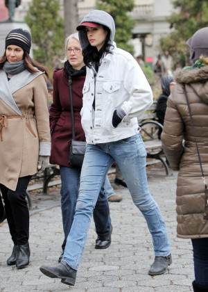 Krysten Ritter: Set of Aka Jessica Jones -18