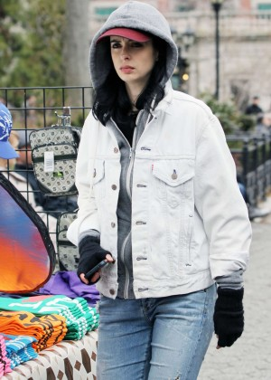 Krysten Ritter: Set of Aka Jessica Jones -20