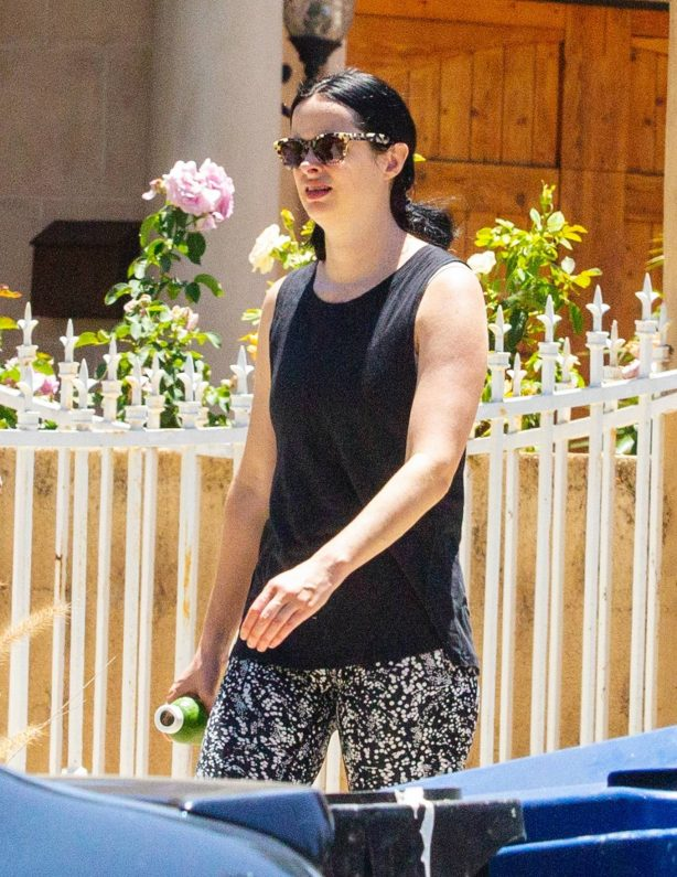 Krysten Ritter - Takes a short stroll with her husband in Los Angeles