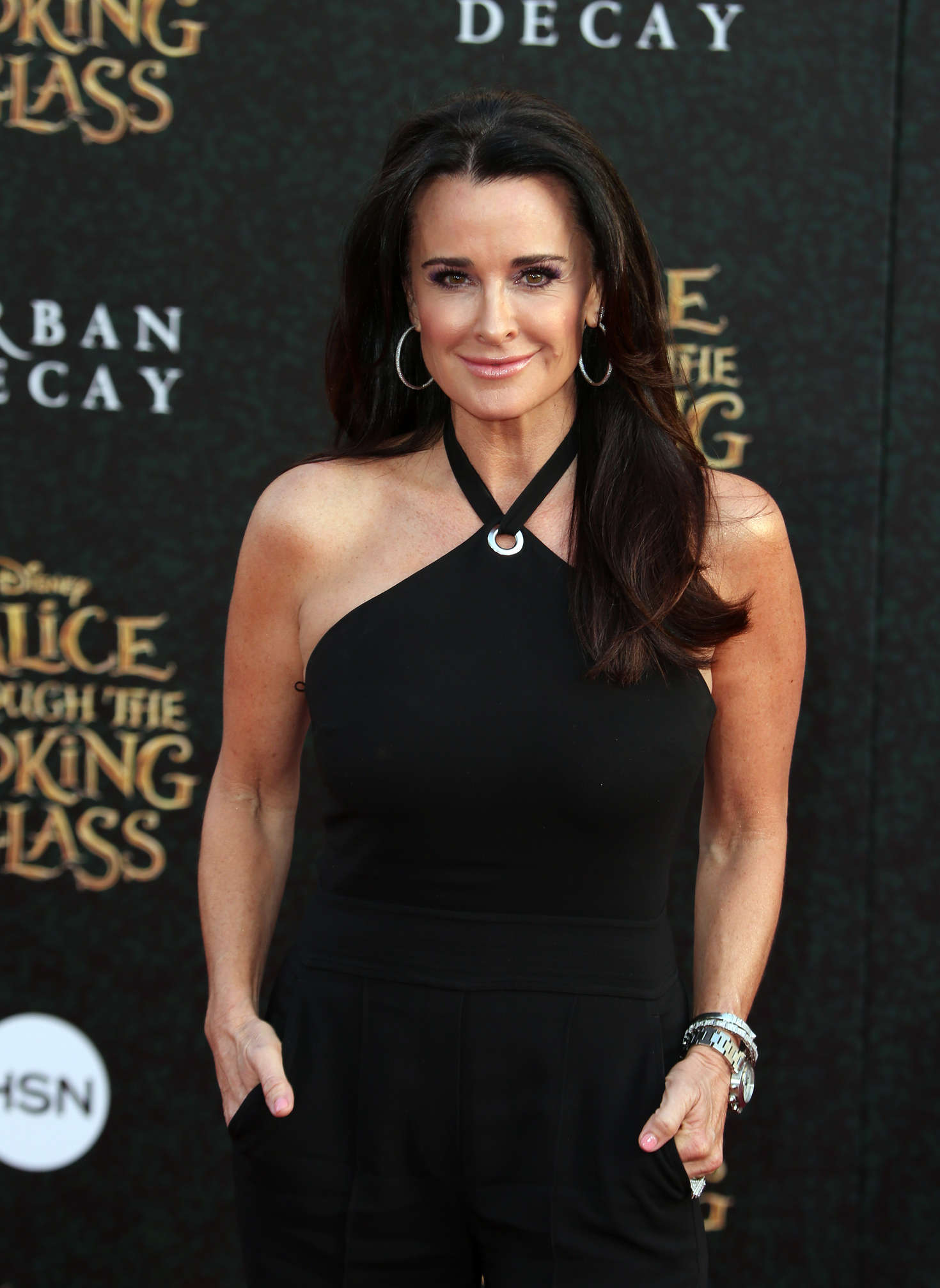 Kyle Richards - 'Alice Through The Looking Glass' Premiere in Hollywood