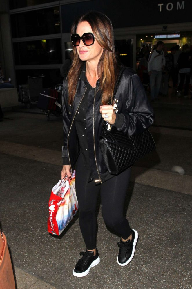 Kyle Richards - Arrives at LAX Airport in Los Angeles