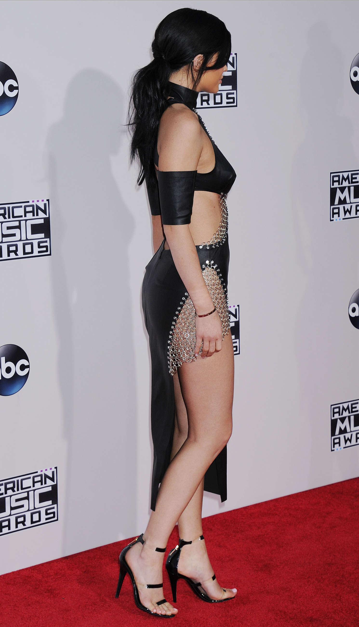 Kylie Jenner: 2015 American Music Awards -22