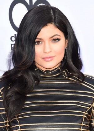 Kylie Jenner : Billboard Music Awards 2015 -01