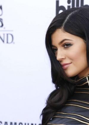 Kylie Jenner : Billboard Music Awards 2015 -15
