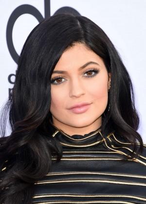 Kylie Jenner : Billboard Music Awards 2015 -16