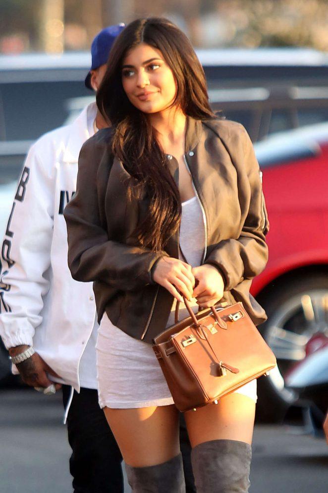 Kylie Jenner - Arrives at Kanye West Concert in Los Angeles