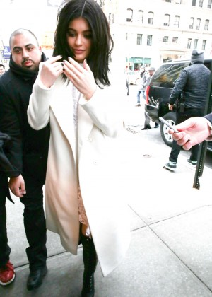 Kylie Jenner - Arriving at her Hotel in NYC