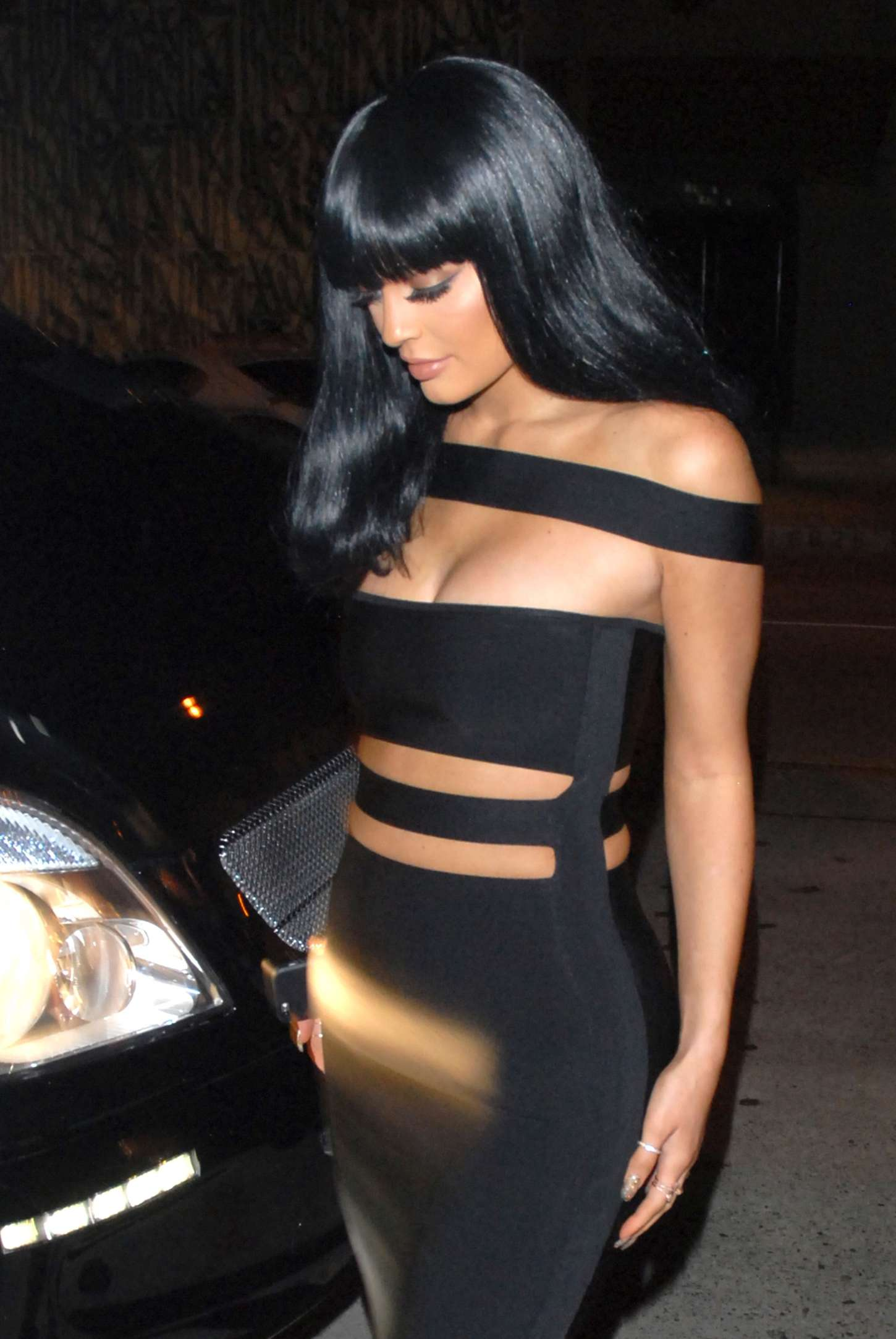 df007e49e Kylie Jenner in Tight Black Dress -01 | GotCeleb