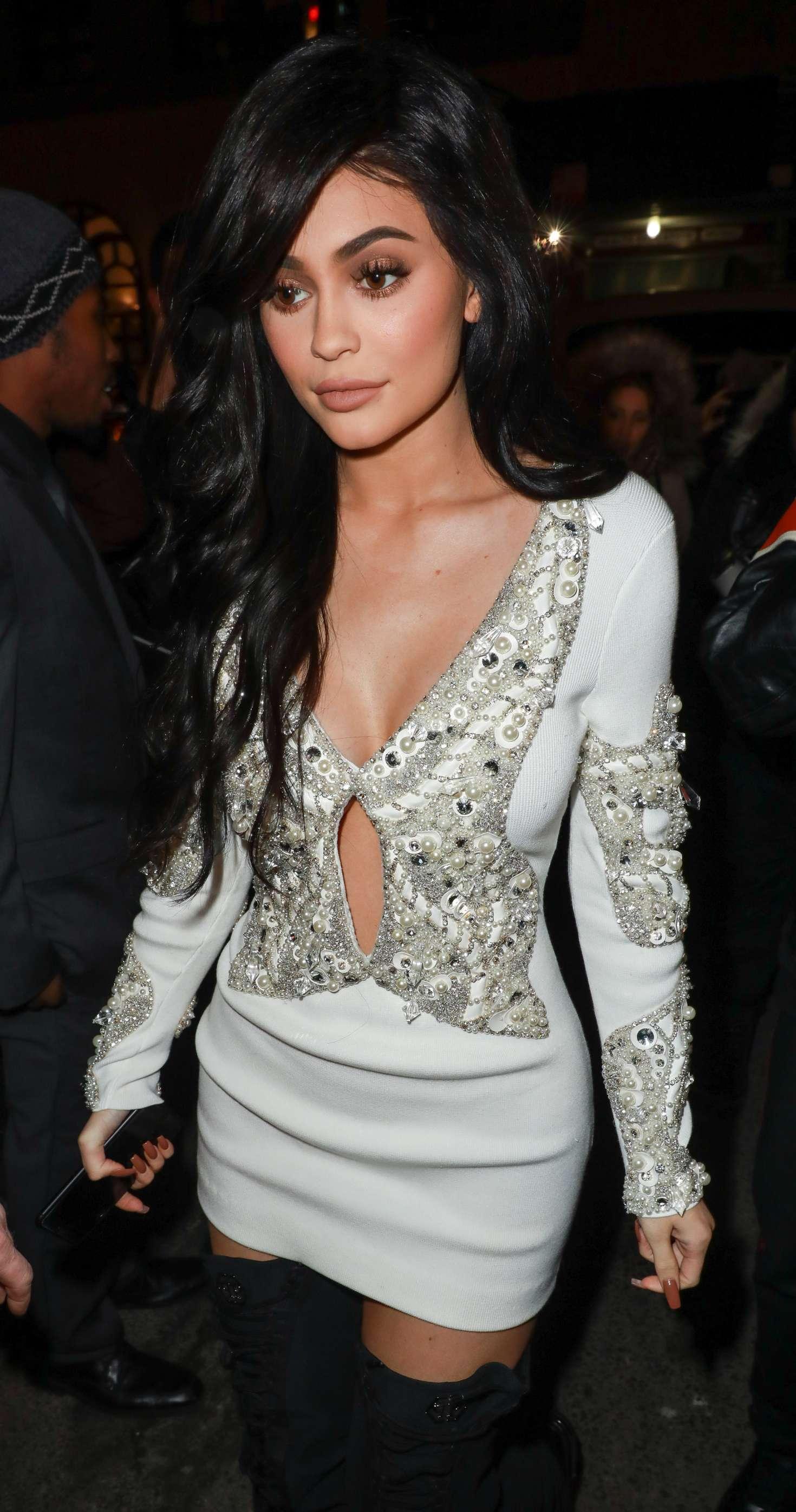 New Kylie Summer Lip Kit Swatches On Dark Skin: Kylie Jenner At Philip Plein Fashion Show In New York