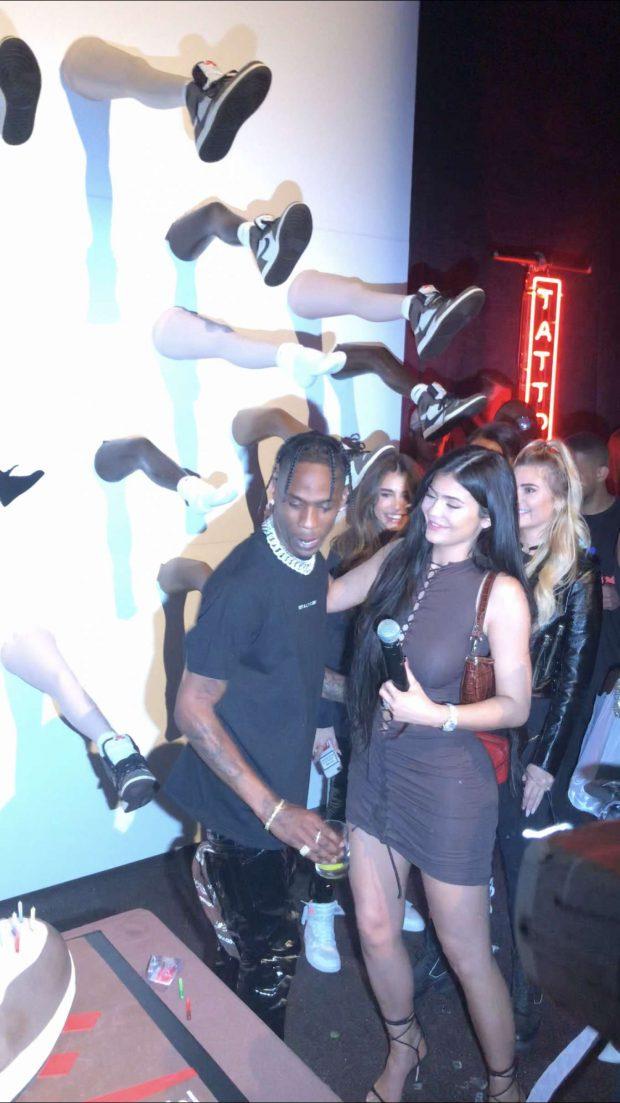 Kylie Jenner: Celebrates Travis Scotts birthday -04