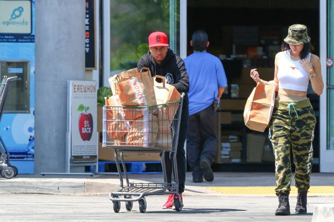 Kylie Jenner: Grocery shopping -20