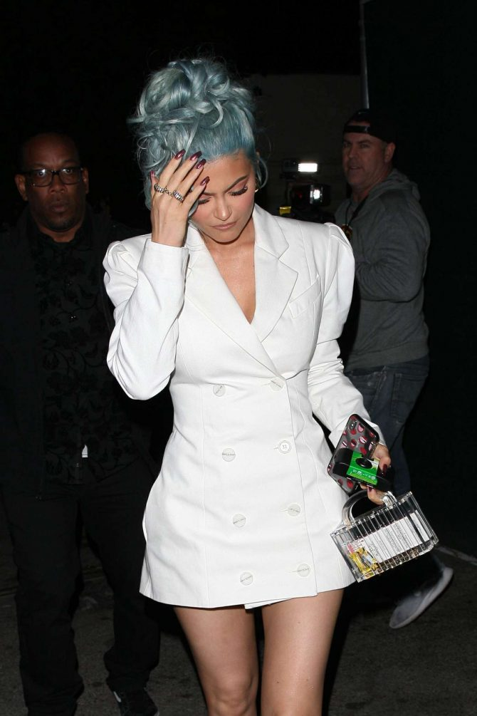 Kylie Jenner – Heads to Craig's restaurant in West Hollywood