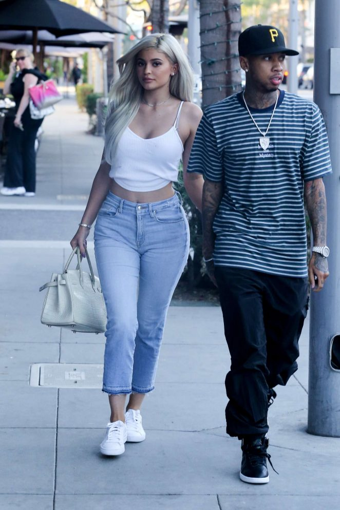 464f7f9b3afac Kylie Jenner in a white tank top and jeans -02 – GotCeleb