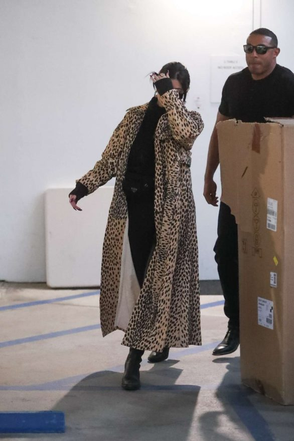 Kylie Jenner 2019 : Kylie Jenner in Animal Print Coat – Goes Christmas shopping at Moncler-01