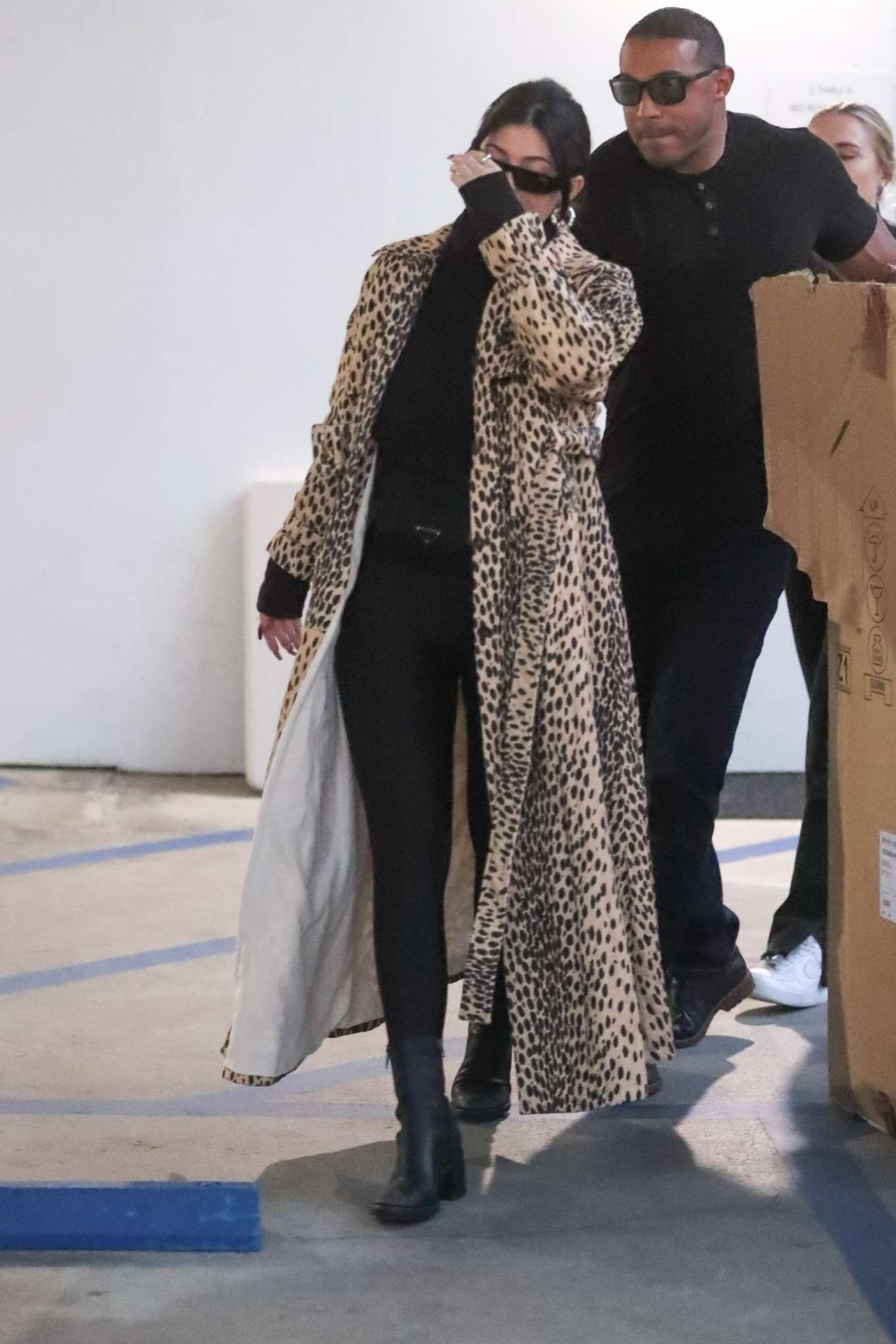 Kylie Jenner 2019 : Kylie Jenner in Animal Print Coat – Goes Christmas shopping at Moncler-03