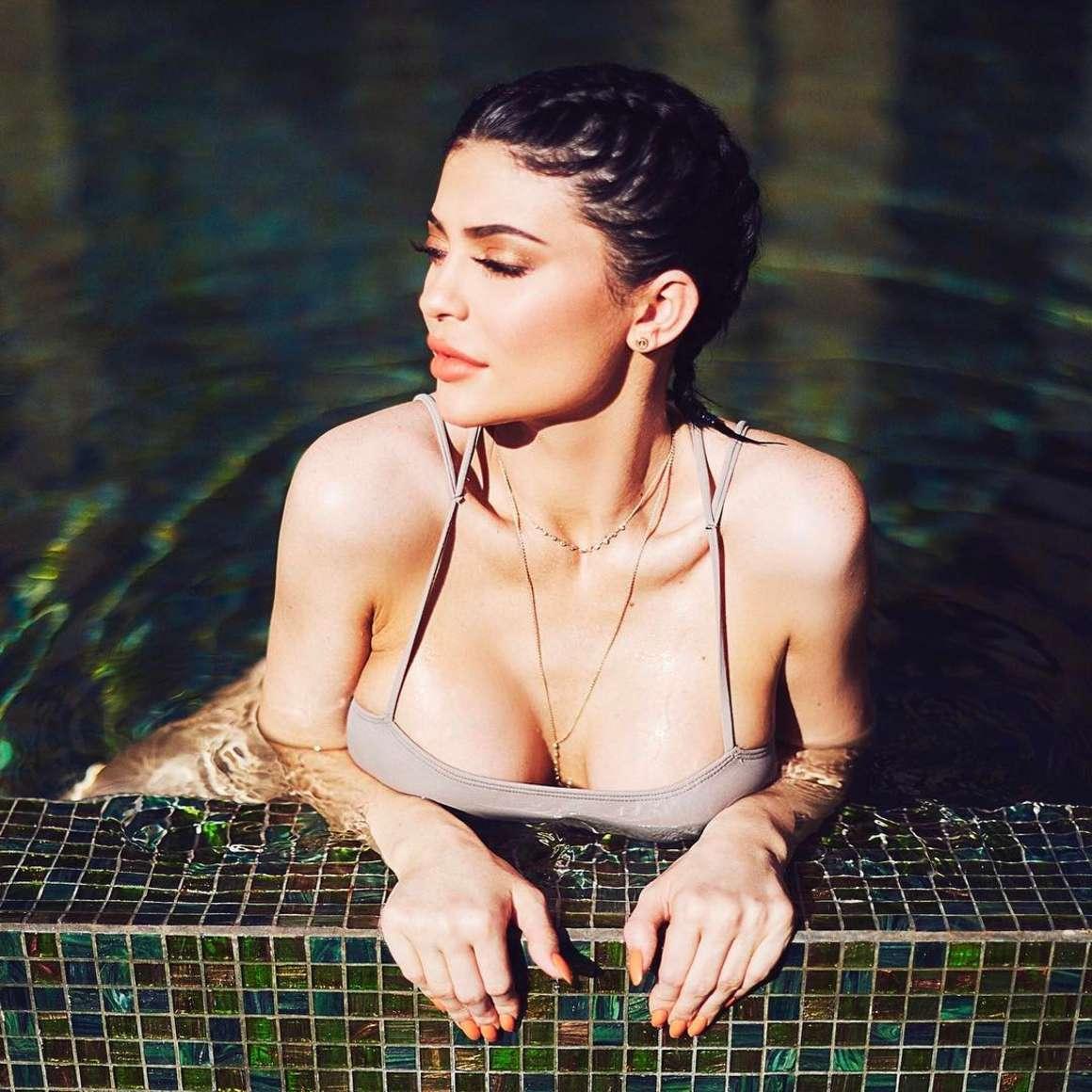 Kylie Jenner 2017 : Kylie Jenner in Bikini: Instagram Photos -03