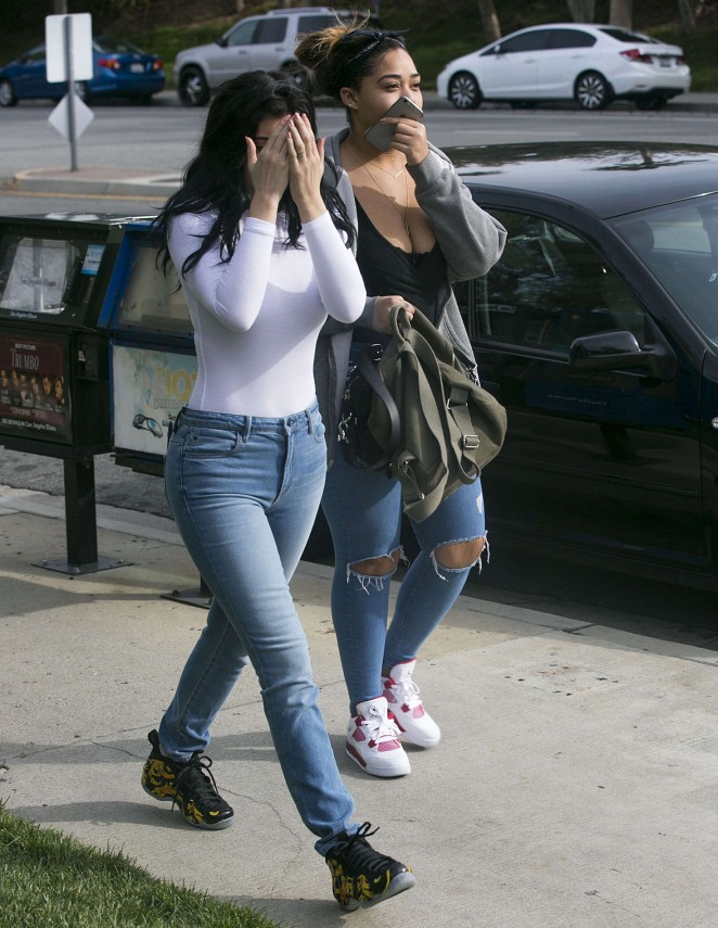 Kylie Jenner Booty in Jeans -31