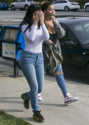 Kylie Jenner Booty in Jeans -44