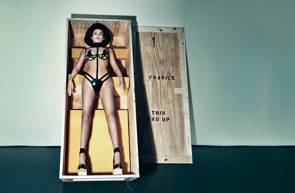 Kylie-Jenner:-Interview-Magazine-2016--1