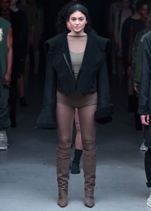 Kylie Jenner - Kanye West 2015 Fashion Show in NYC
