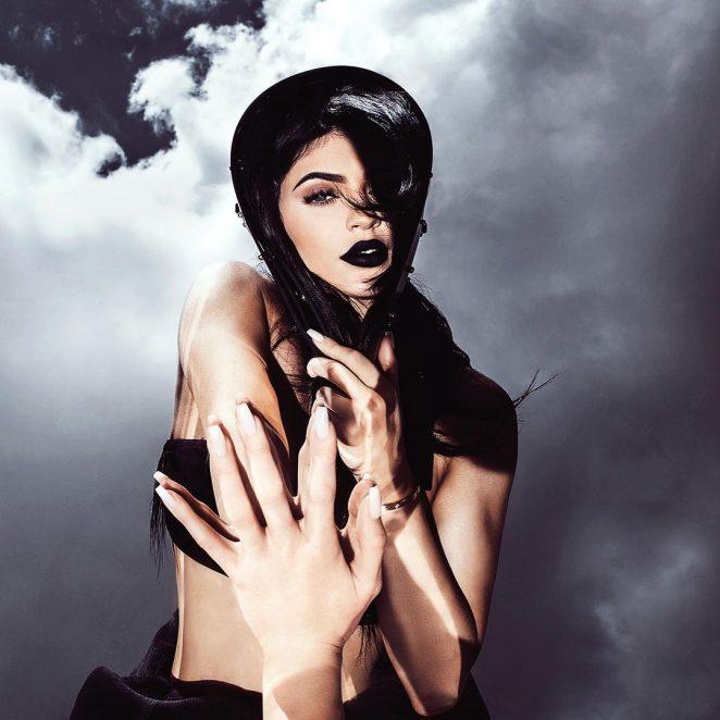 Kylie Jenner: Kylie Cosmetics Ky Majesty 2016 -03