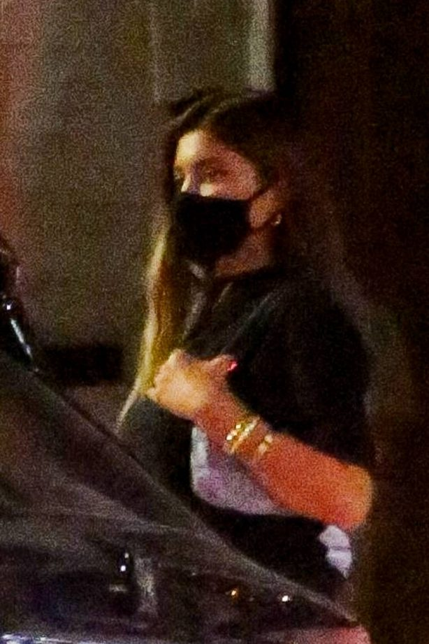 Kylie Jenner - Leaving 40 Love with a mystery guy in Los Angeles