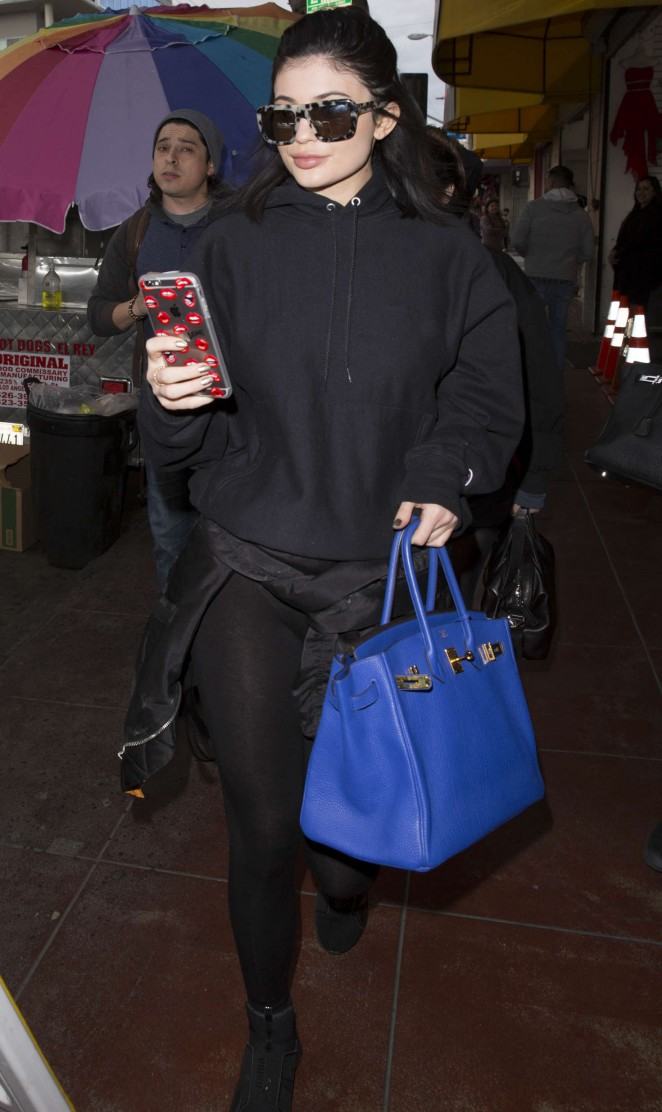 Kylie Jenner – Leaving a photoshoot in Los Angeles